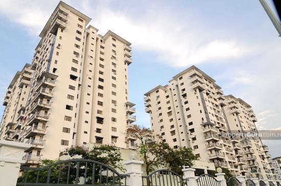 The Chancellor Condominium Side View 1255