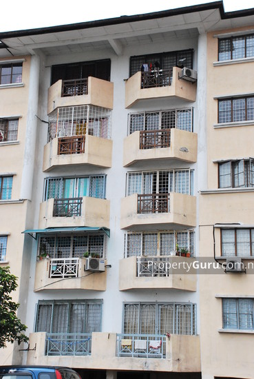 Makmur Apartments  2937