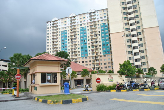 Vista Pinggiran Apartment  2216