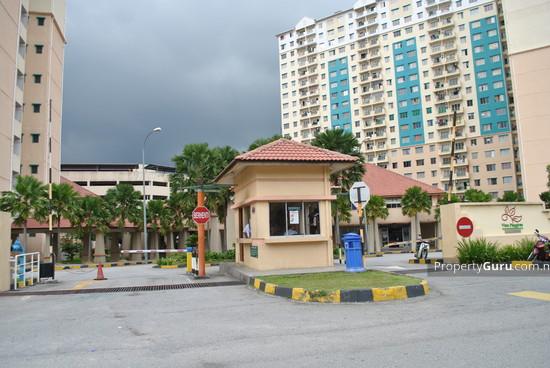 Vista Pinggiran Apartment  2219