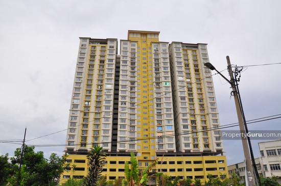 Casa Prima Condominium  399